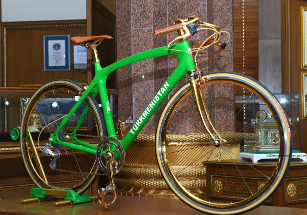 Golden bicycle – a great gift for president!