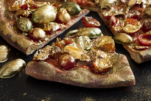 Gold Pizza: a specialty for the privileged