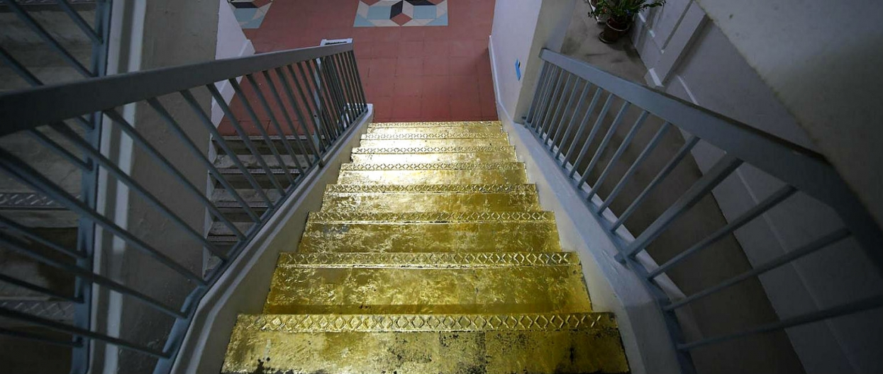 "Gold covers a real ""Stairway to Heaven""!"
