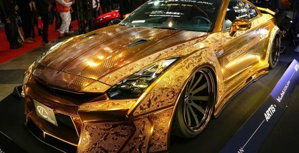 "El ""Gold Godzilla"""