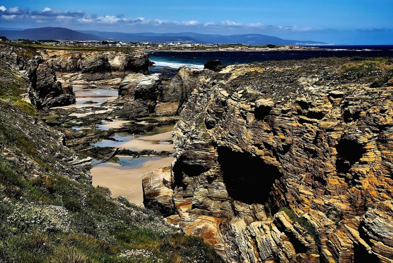 Spains Cathedrals Beach: a golden paradise to be discovered