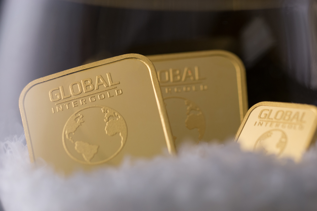 What professionals say about the gold business