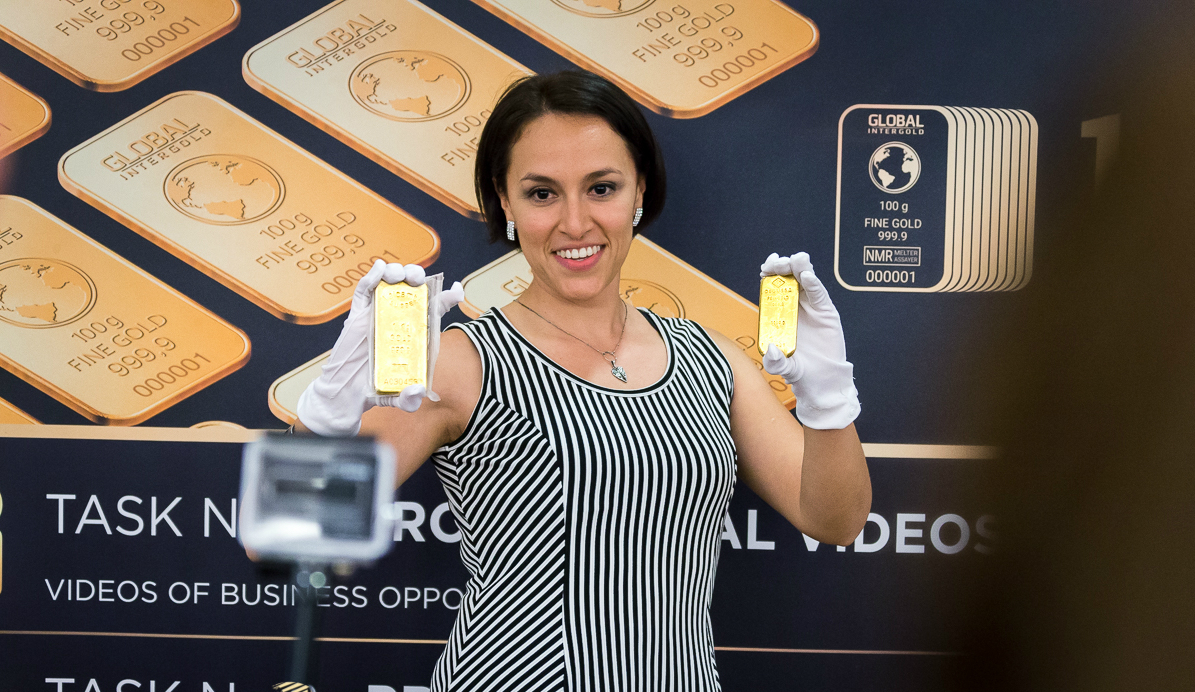 Unique gold exhibition and conference about income generation held in Rome
